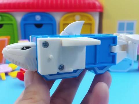 炫酷的益智字母变形玩具,一起来认知海洋生物和小动物