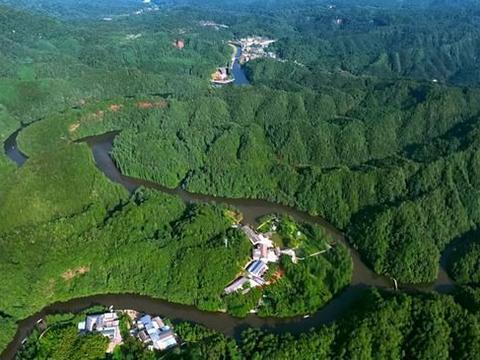 重庆有一四面山景区,看丹霞美景,吃富硒美食!