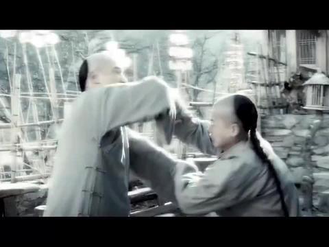 梁家辉带儿子练武,没想到儿子是机械天才,全身装满精密的机关