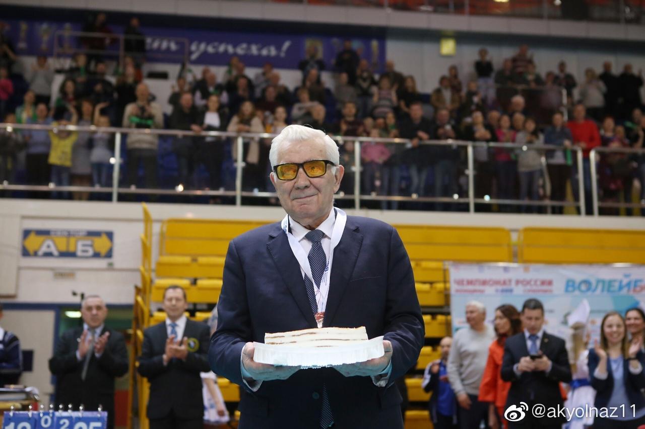 今天是俄罗斯 女排功勋教练卡尔波利83岁的生日……