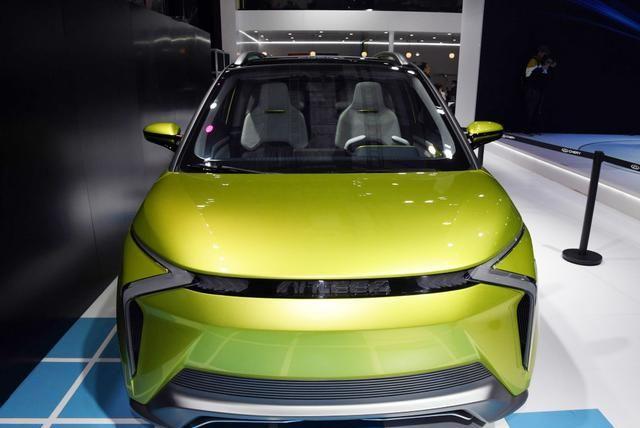 奇瑞终于放大招了,新款小蚂蚁概念车亮相,能否超越宏光MINI?