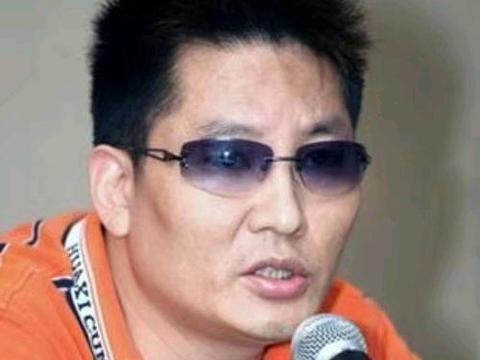 著名导演告诫赵丽颖:你该心疼冯绍峰,孩子也需要母乳喂养