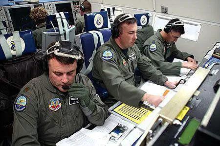 直升机可以作为预警机平台,但要作为预警指挥飞机就不行了