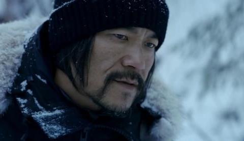 雪暴:张震与廖凡的型男对决故事很小,致敬的英雄却很大