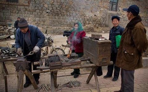 古老的行当打铁匠