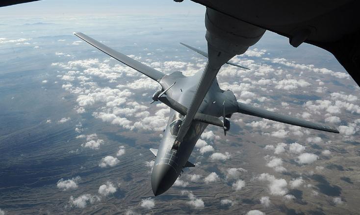 界上威力最强大的战略轰炸机:B-1枪骑兵极限时速能达到1320公里