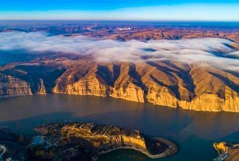 俯瞰山河 一览乾坤!在山西偏关老牛湾 可乘坐直升机欣赏长城黄河