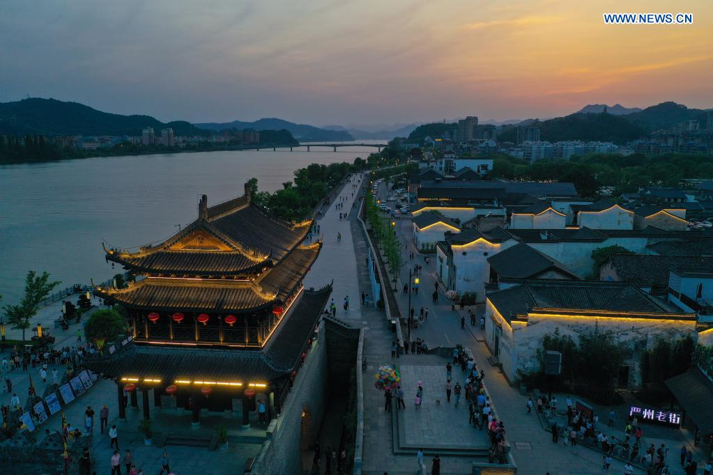 Aerial photo taken on May 2, 2021 shows the night view of Yanzhou ancient city in Meicheng Township, Jiande City of east China's Zhejiang Province. The ancient city received a total of 114,000 visitors on Saturday and Sunday. (Xinhua/Xu Yu)