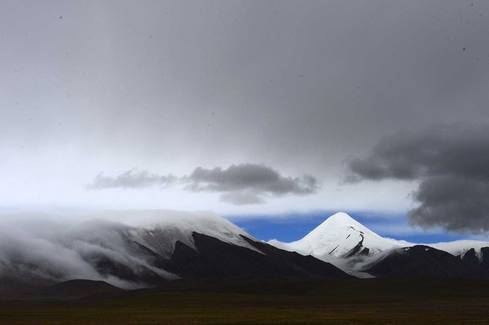 """追光 远山的呼唤:小长假攀登""""人生第一座雪山"""""""