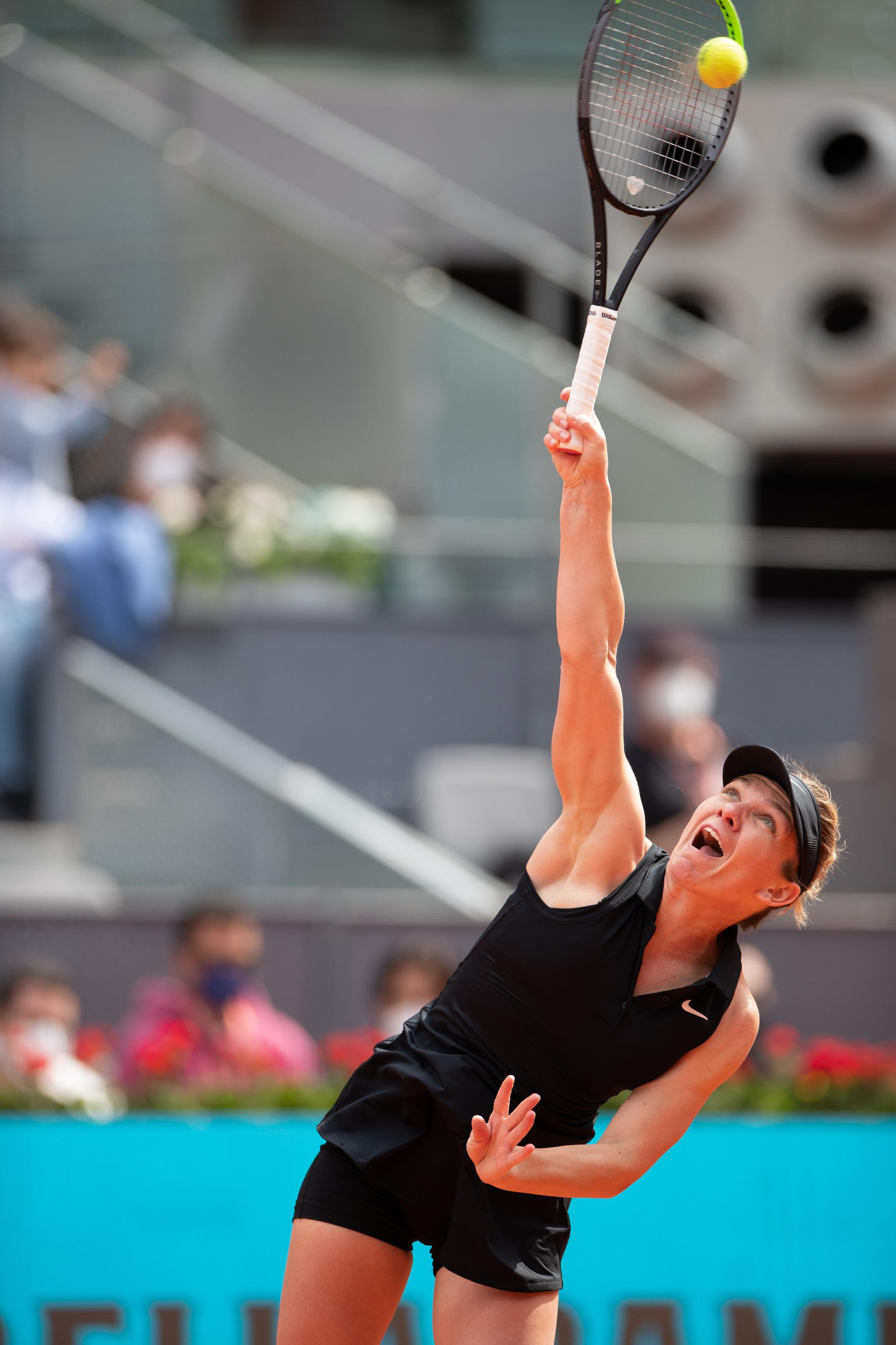 网球——马德里公开赛:哈勒普晋级