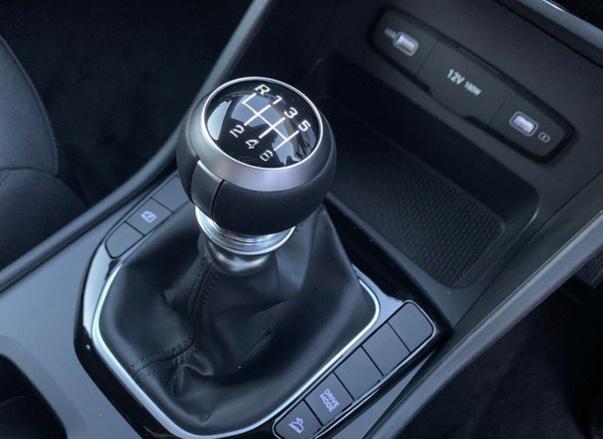 新款现代途胜到店,1.6T引擎+6MT,空间不输途观,新造型真帅气