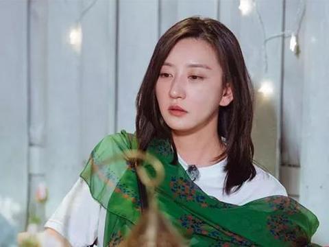 唐一菲,沉寂8年,碰瓷姚晨和蒋欣:格局小的女人有多可怜?