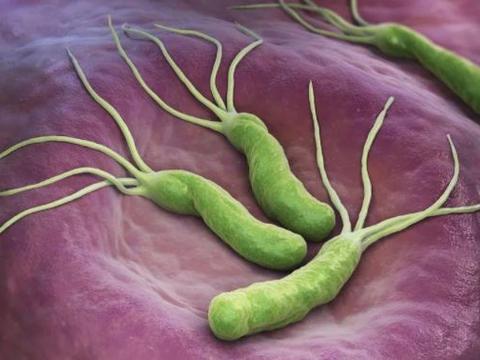 """胃部感染幽门螺杆菌,嘴巴可能发出3个""""暗号"""",看看你有吗?"""