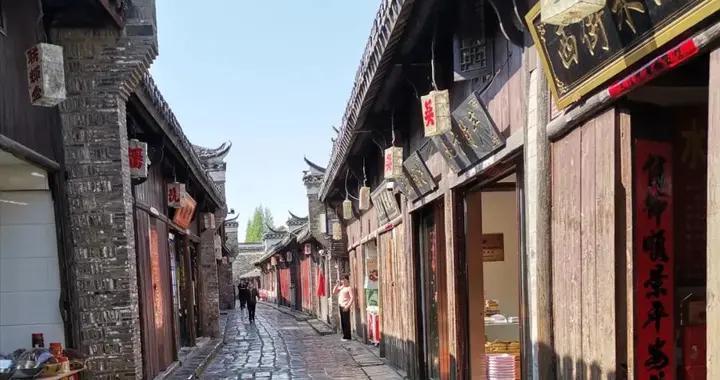 鱼米之乡的三河,最具烟火气和最世俗化的千年古镇,闪烁在水光中