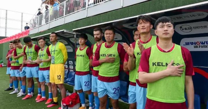 中国足坛奇景诞生!朱骏踢过友谊赛,老板踢中甲第一次见