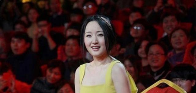49岁杨钰莹少女感满满,浪姐2成团再次翻红,被那英称凡尔赛发言