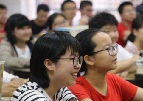 梁建章提议取消中考,初高中合并缩短教学年限,4年后直接考大学