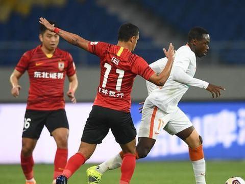 长春亚泰0-0遗憾战平武汉队,陈洋连续两场只换一人遭到球迷质疑