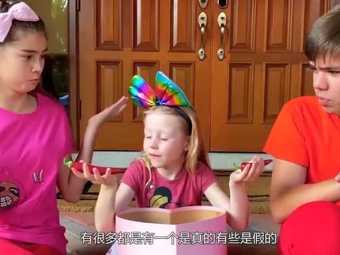 女孩用巧克力做辣椒模型,和真的放在一起,闺蜜吃下后被辣哭!
