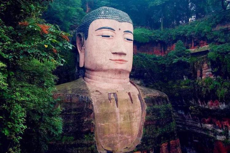 乐山大佛是我国最大的摩崖石刻造像,它脚下的三江汇聚是哪三江?
