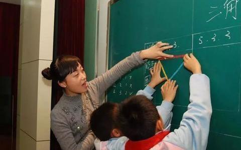 """赢在起跑线的""""超前教育"""",被教育部门叫停,学生苦不堪言"""
