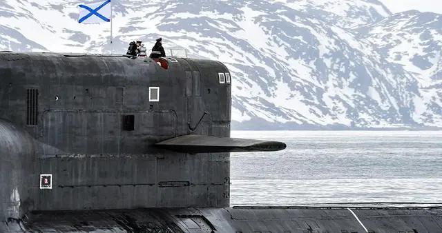 据俄罗斯国防部此前公布的计划,莫斯科时间4月6日至4月底,俄国防部举行行了共计四千多场各类规模的演习