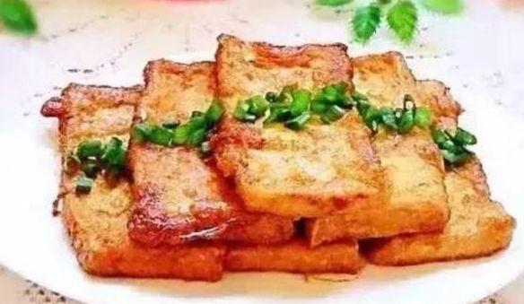 美食看看:茄子烧土豆,五香素鸡,凉吃干烧带鱼,照烧黄金豆腐