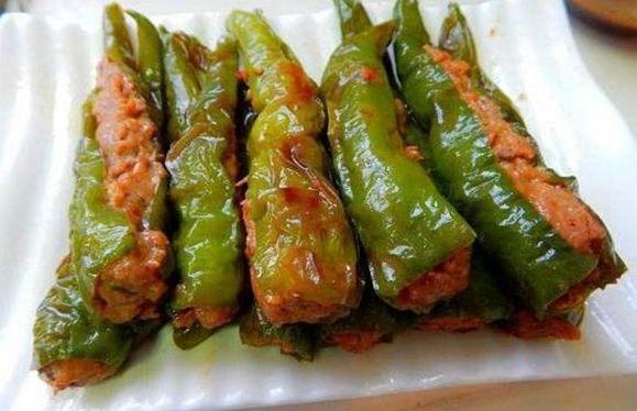 美食:辣椒炒鸡胗、香菇炒肉、煸炒花菜、肉酿虎皮青椒的做法