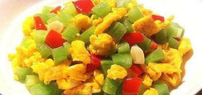 美食推荐:莴笋炒鸡蛋,家常凉面,辣炒鱿鱼,秘制鸡翅的做法