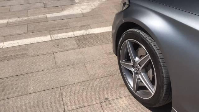 视频:奔驰C旅行(S205)车顶密封橡胶条老化、塌陷……