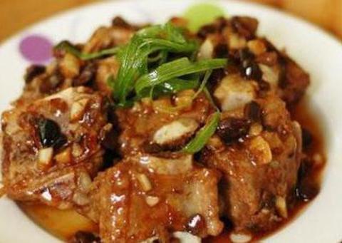 美食推荐:西红柿炒豆腐,豉汁蒸排骨,青椒炒玉米,芹菜炒五花肉