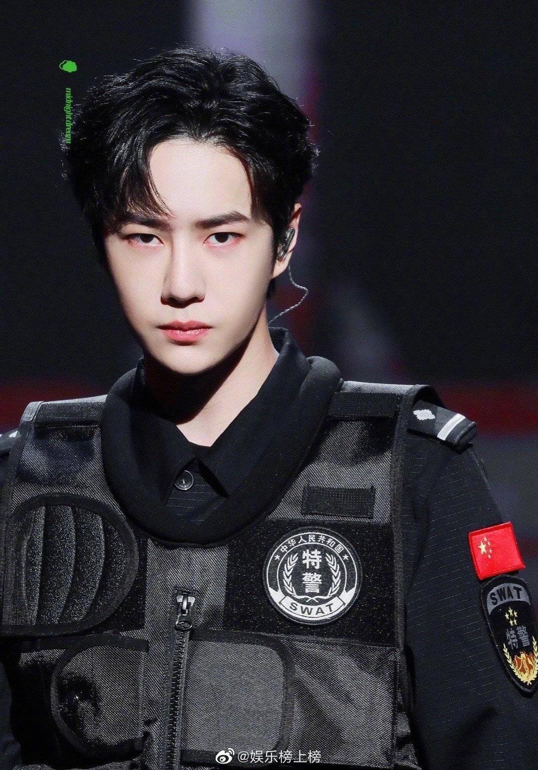 王一博新电影 杀青,维和部队杨震准备就绪即将全力出击!