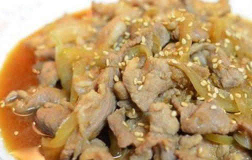 美食推荐:芹菜百合腰果,虎皮青椒,酒香辣鸡肠,姜烧洋葱猪肉