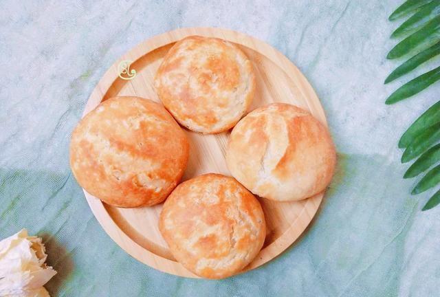 油酥烧饼在家做,酥脆掉渣,做法还简单,老人孩子都爱吃