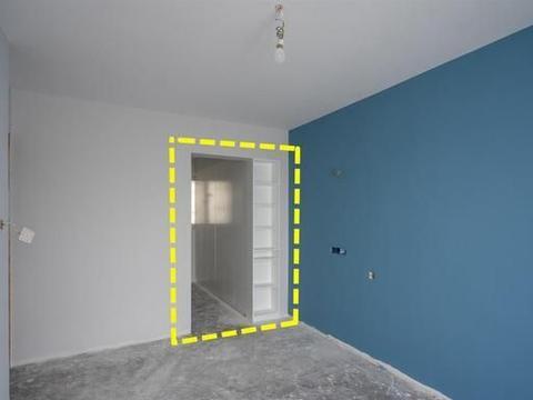收纳不靠打柜子,我有1招:门洞一侧预留55cm,内嵌一排壁龛搞定