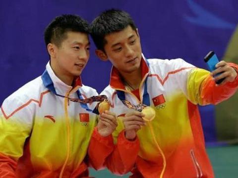 张继科比马龙大8个月,前者已告别乒坛,后者为何还在为奥运拼搏