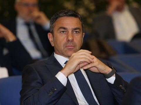 科斯塔库塔:莱奥永远不会成为伟大前锋,米兰需一个能进球的前锋
