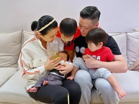 胡杏儿为小儿子李奕宏庆祝满月,好幸福