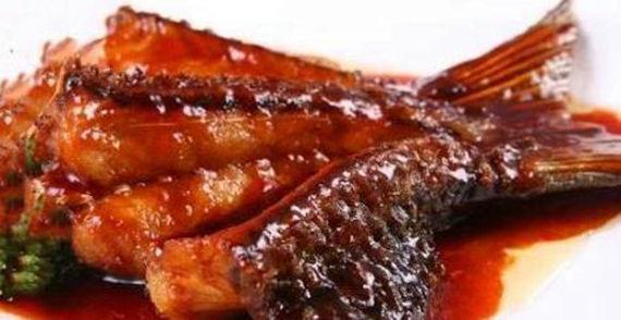美食:可乐鸡翅,甜玉米焖排骨,红烧划水,虎皮青椒的做法