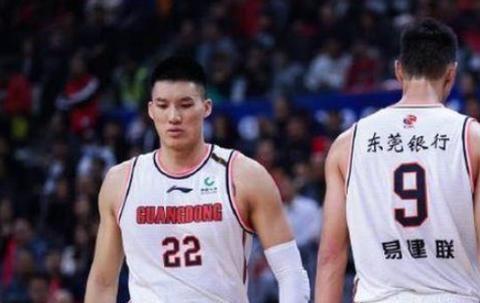 一年上调一个内线,广东坐拥五大中锋,阿联未来可打养生篮球