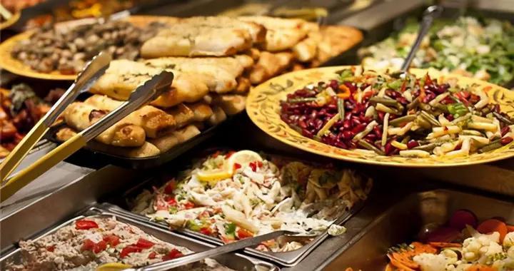 消费三巨头:餐饮、旅游、电影行业成为拉动中国经济增长的主引擎