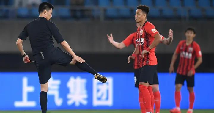 买提江染红后首次发声,未对于汉超公开道歉,被球迷指责缺乏诚意
