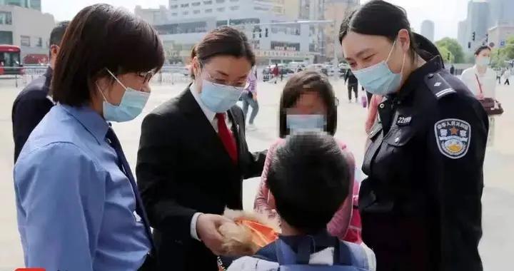 父亲服刑母亲失联姐弟俩成了事实孤儿,江阴检察跨省联动救助