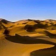 """库木塔格沙漠出现波光粼粼""""湖面"""""""