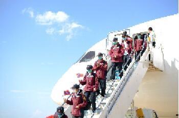 本溪日报中国政府抗疫医疗专家组抵达老挝