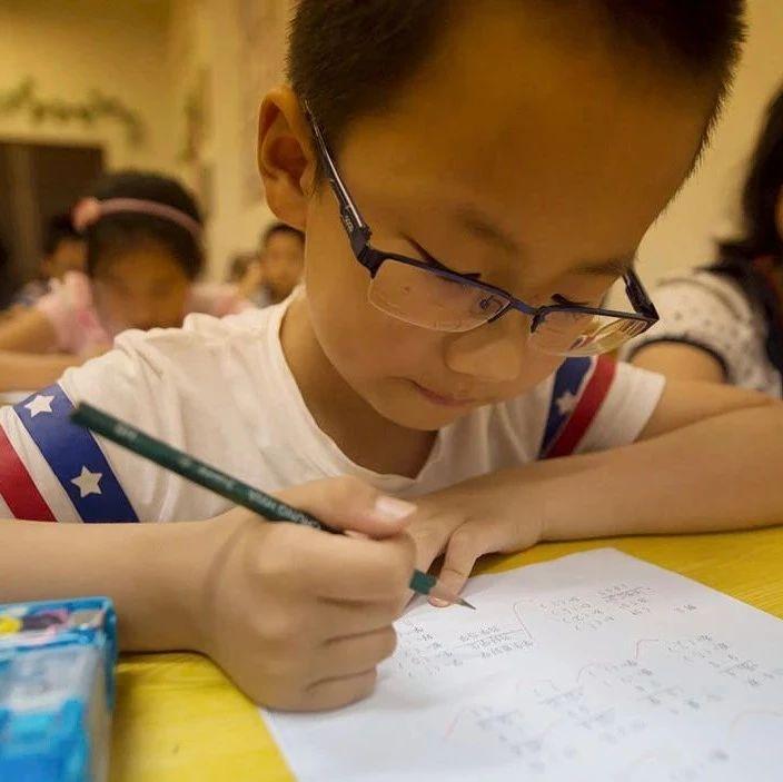 学而思又出事:给5年级小学生讲初中内容,家长怒写投诉信!此前紧急下架这类课程