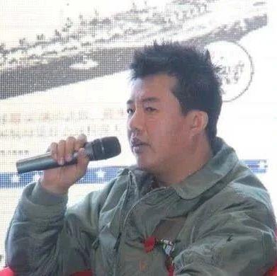 北京小伙在美军航母服役4年,见到辽宁舰后一番话令人热血