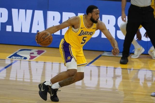 小塔克一级拉伤!NBA卫冕冠军遭重创,沃格尔无奈:让基德上场