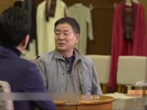 """濮存昕近照发福,采访谈年轻演员""""人设崩塌"""",直言是因缺乏教育"""