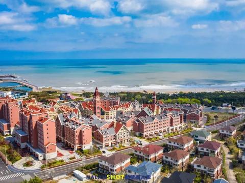 山东最不该被遗忘的沿海城市,油画般的美景,景色丝毫不输三亚
